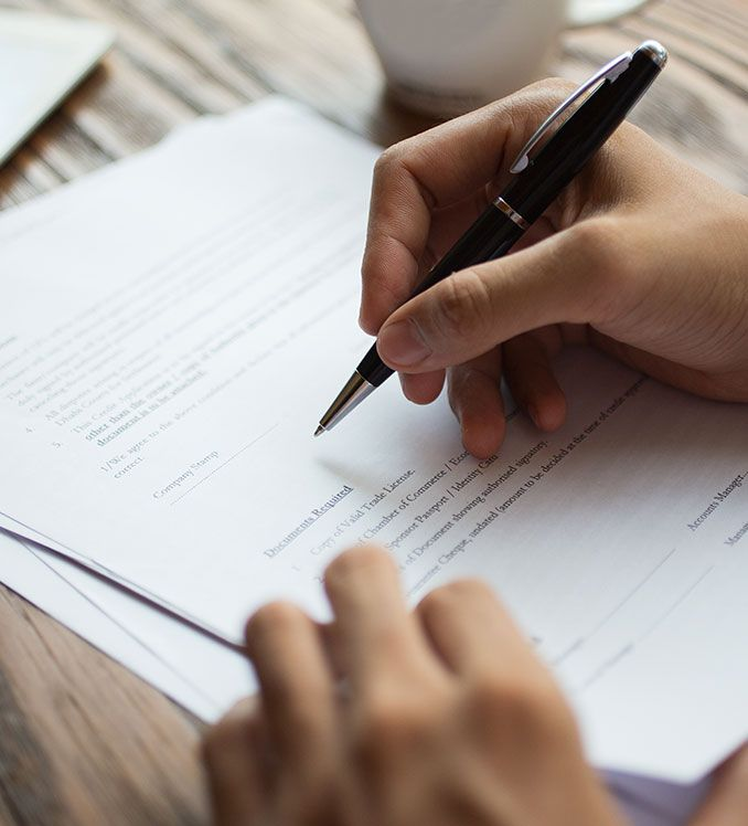 EVALUATING AND REVIEWING CONTRACTS